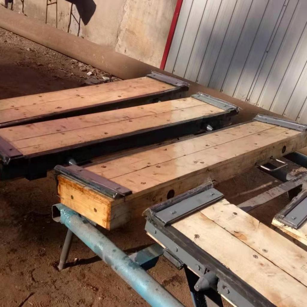 木质防水闸门 叠梁木质闸门