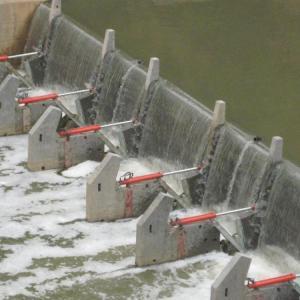 扬州底横轴旋转钢坝闸门 农村灌溉闸门 液压合页坝  操作简便
